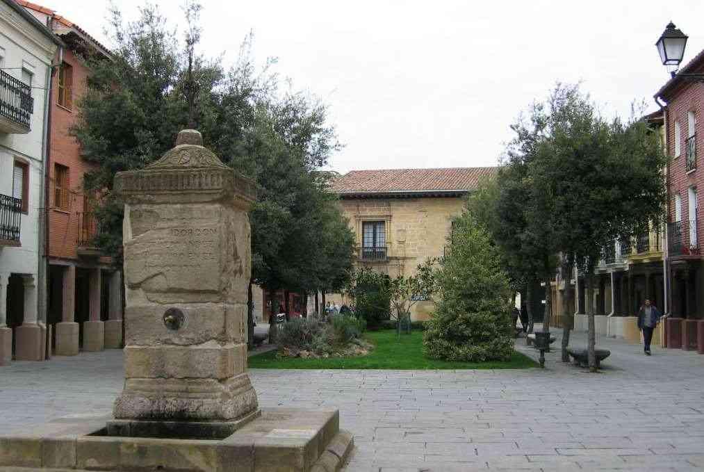 Plaza de la alameda 62kb - Casa rural santo domingo dela calzada ...